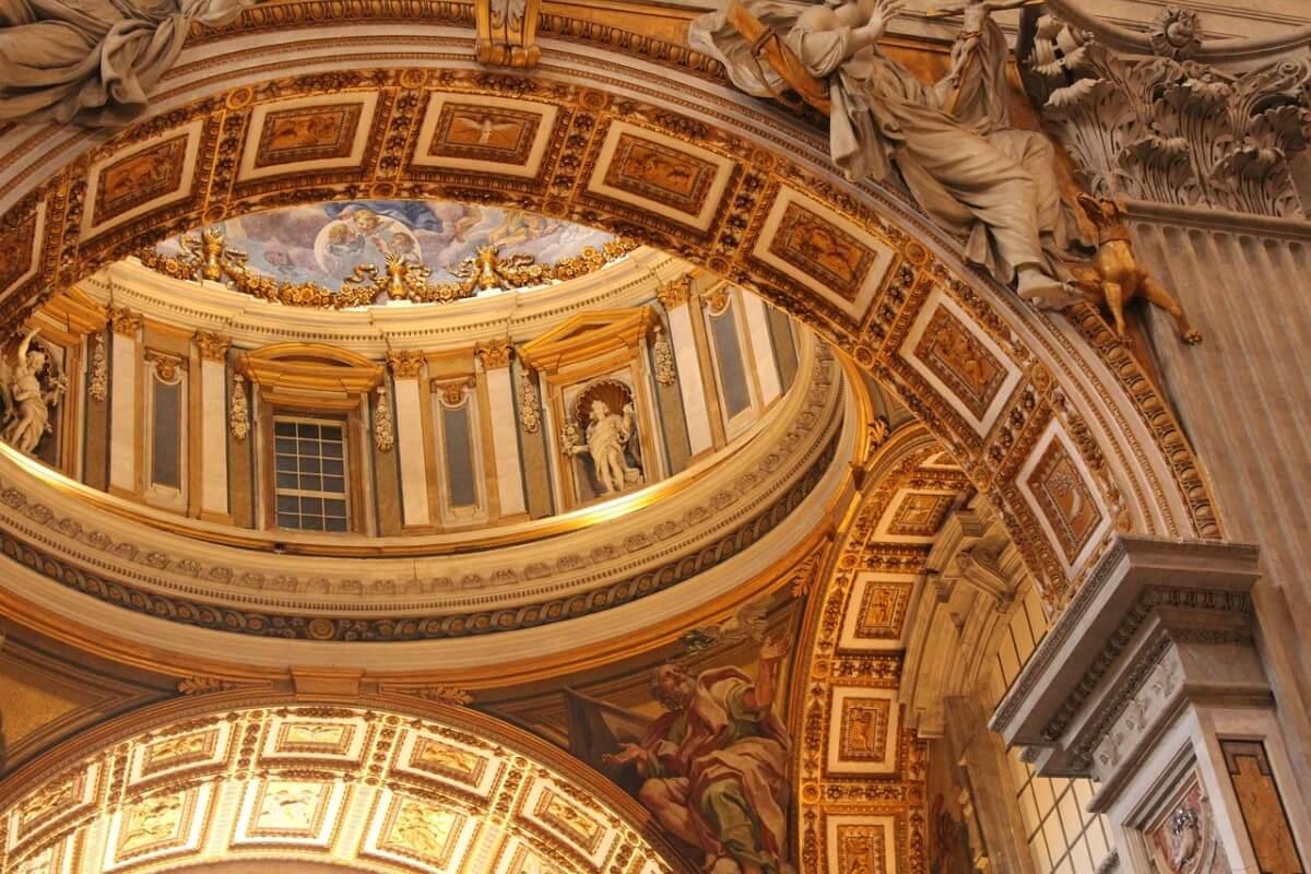 """Visite guidée du Vatican, Visiter le Vatican en Français avec Cathia<span class=""""wtr-time-wrap after-title""""><span class=""""wtr-time-number"""">4</span> min read</span>"""