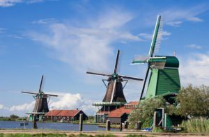 visiter les Moulins du Zaanse Schan en français à vélo moulin à vent