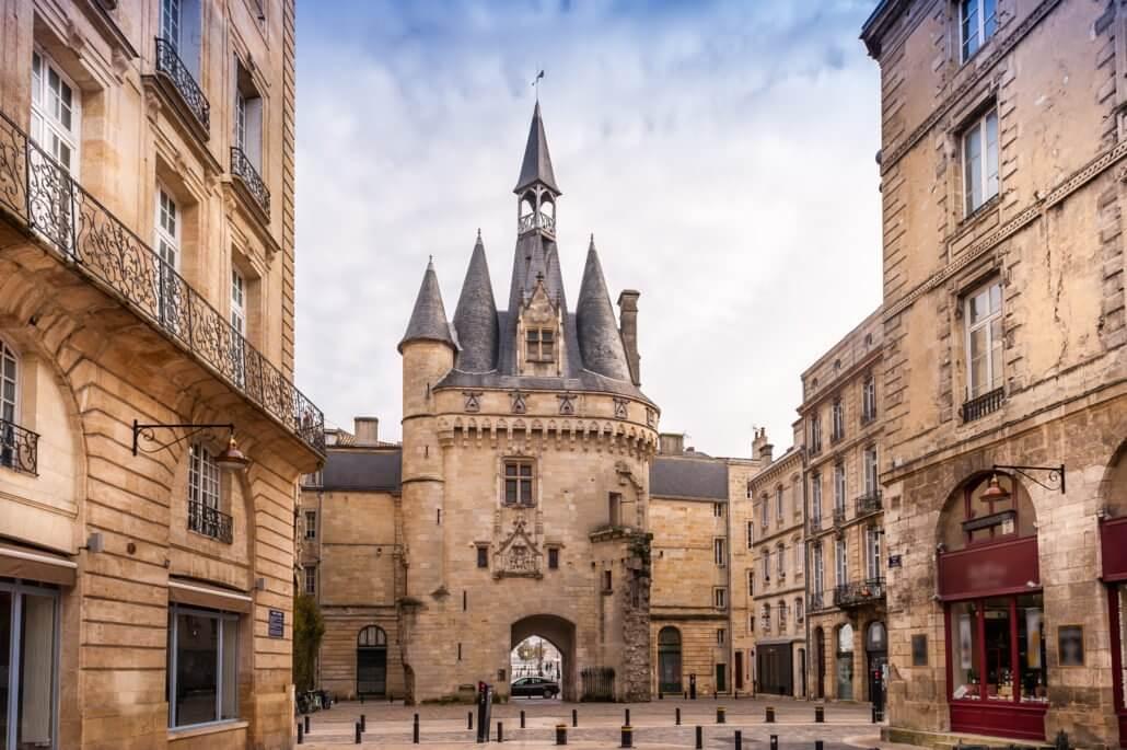 visite guidée de bordeaux, Hubert, notre chauffeur guide pour la visite guidée privée de Bordeaux en 2h