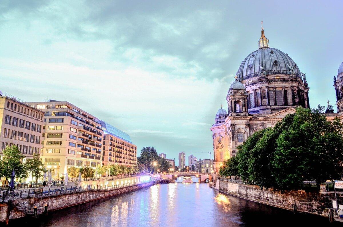 """Visite guidée en français de Berlin, Visite guidée en français de Berlin avec Céline<span class=""""wtr-time-wrap after-title""""><span class=""""wtr-time-number"""">3</span> min read</span>"""