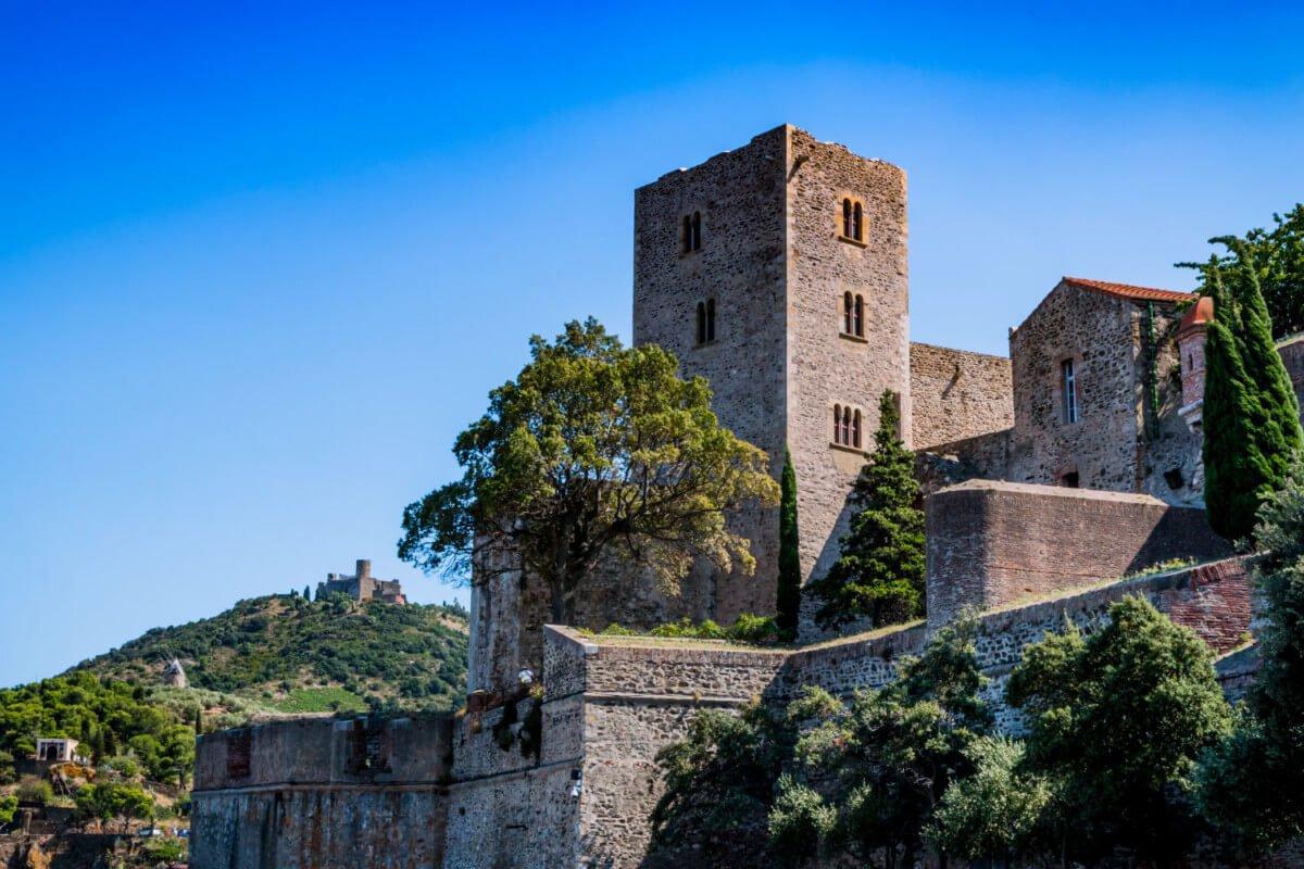 """visite de Collioure, Visite des incontournables de Collioure<span class=""""wtr-time-wrap after-title""""><span class=""""wtr-time-number"""">6</span> min read</span>"""