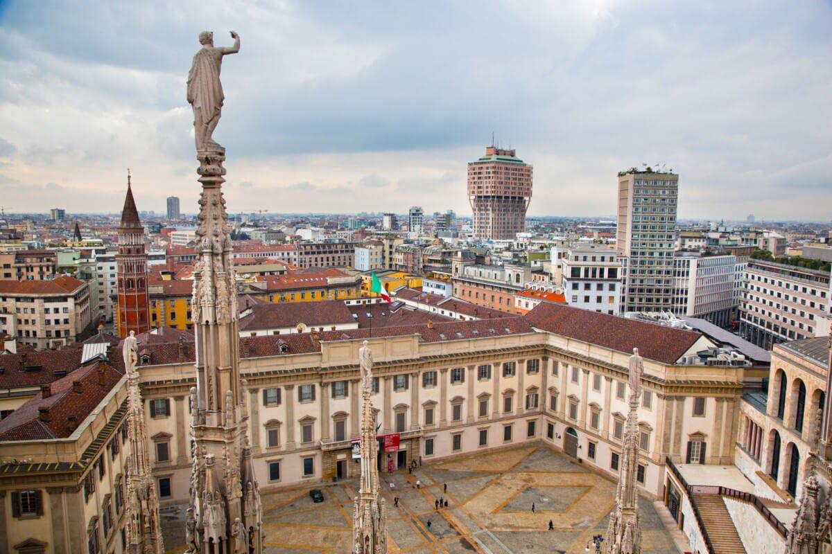 Palais Royal, Milan