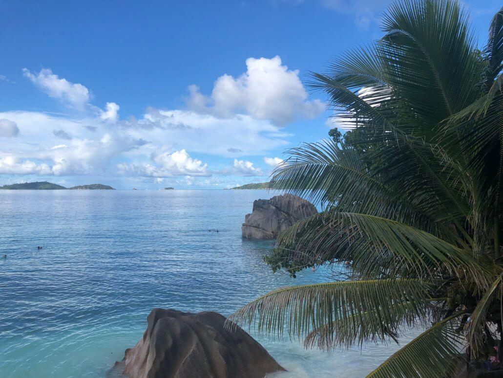 vue depuis les pistes cyclables anse patate Seychelles